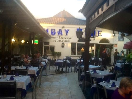 Restaurant Bombay Blue: very relaxed atmosphere .
