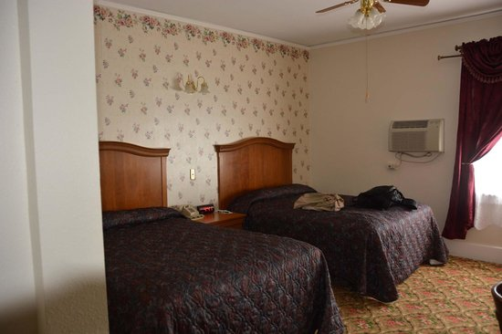 Buffalo Bill's Irma Hotel: Our Room