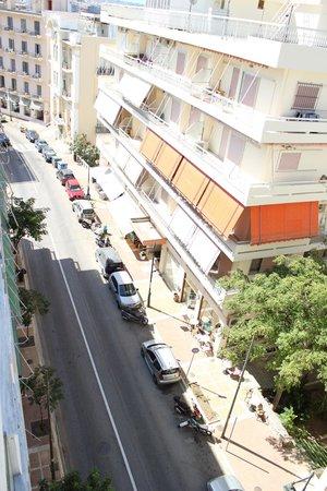 Marion Hotel: если посмотреть вниз с нашего 5го этажа)