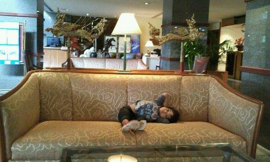 The Manhattan Sukhumvit Bangkok: In the lobby