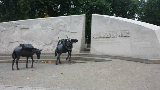 Animals in War Memorial : the front of the memorial