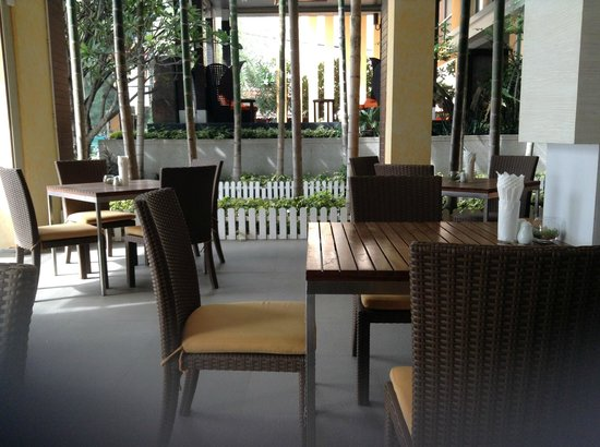 FuramaXclusive Sandara Hua Hin: Dining area
