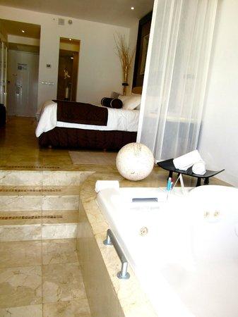 Le Blanc Spa Resort Cancun: Love the decor!