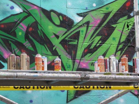 5Ptz : Aerosol spray ~ www.speliotis.com