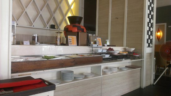 FuramaXclusive Sandara Hua Hin: Dining