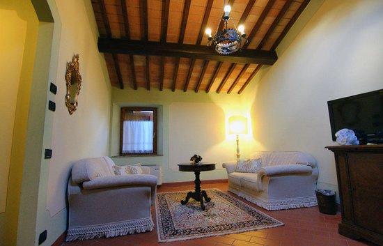 Castel Pietraio: Double superior room sitting area