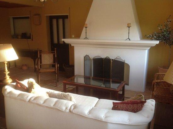 Quinta Das Rosas : Entrance, living room