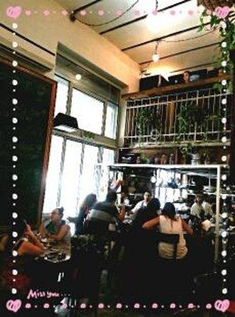 Machneyuda: Open kitchen with split level restaurant
