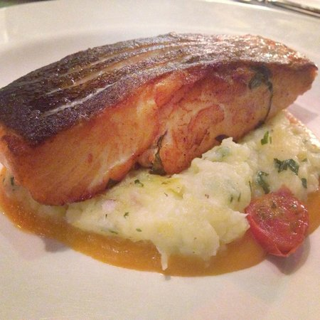 Istanbul Culinary Institute : Pan-fried salmon