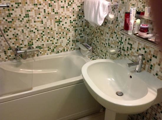 Art Hotel Navigli: Superior room, bathroom