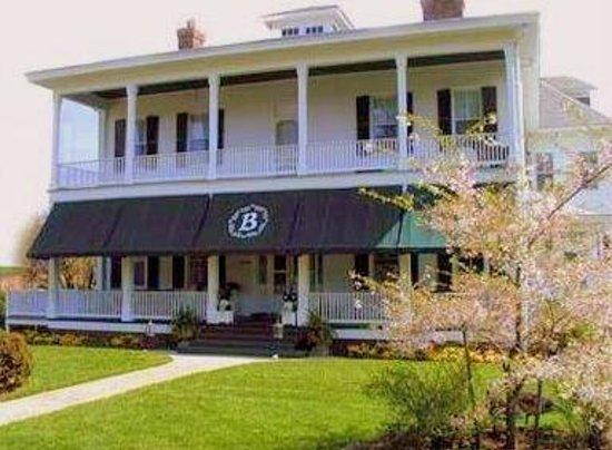 The Boxwood Inn: Boxwood Inn