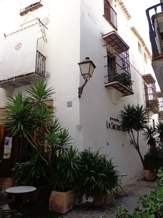 Posada La Sacristia: Our room was the one with the two balconies.