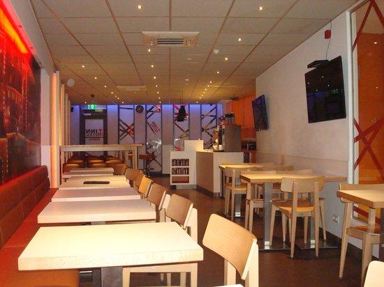 Tourist Inn: Comedor para el desayuno
