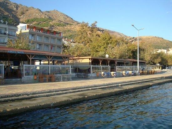 Mermer Otel: the hotel across the seaside