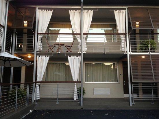 City Loft Hotel: Exterior View