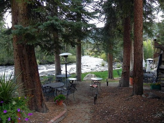 Rapids Lodge: Outside Seating w/Propane Heater