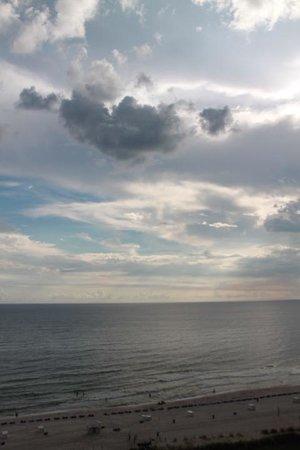 Shores of Panama Resort : To the beach  :)
