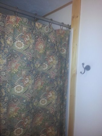 Mountain Motel : From bathroom door