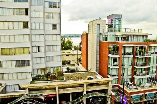 Best Western Plus Sands: View of the Apartment Complex directly opposite your 5th Floor Room