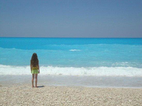 Mouikis Village: Stunning Sea at Mirtos/Myrtos beach