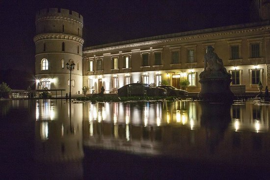 Château de Barbegal : Le chateau vu de nuit
