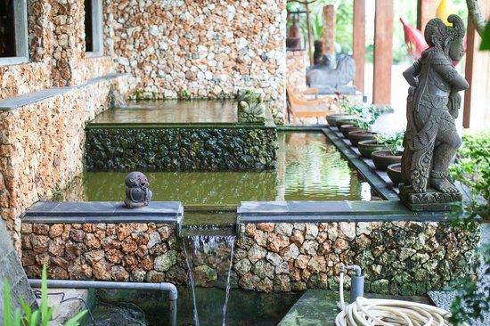 Hotel Puri Bambu: При входе