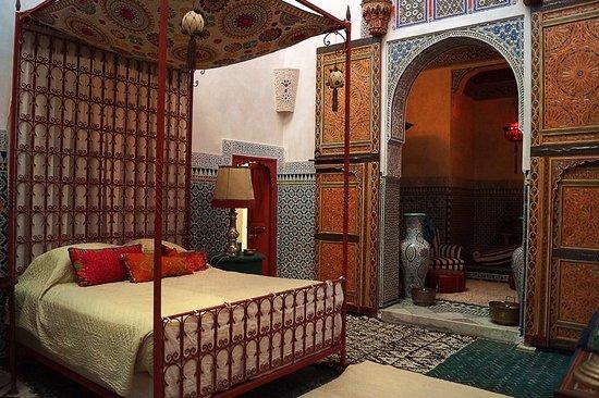 Le Jardin des Biehn: The Pasha Suite's bedroom