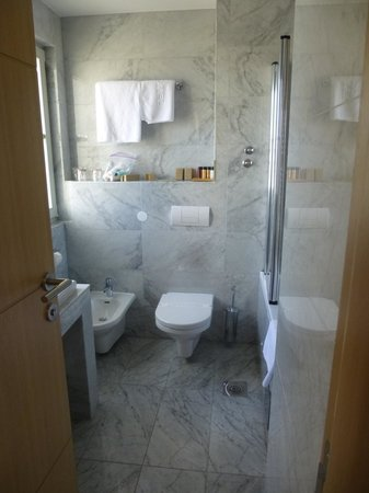 Boutique Hotel Mauro: Bathroom room 207