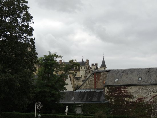 Le Choiseul : View of the Chateau From the Hotel