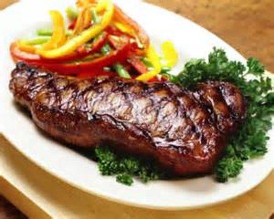 Pate's Steakhouse: Perhaps a Juicy New York Sirloin.....