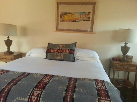 Ojo Caliente Mineral Springs Resort and Spa: Bed