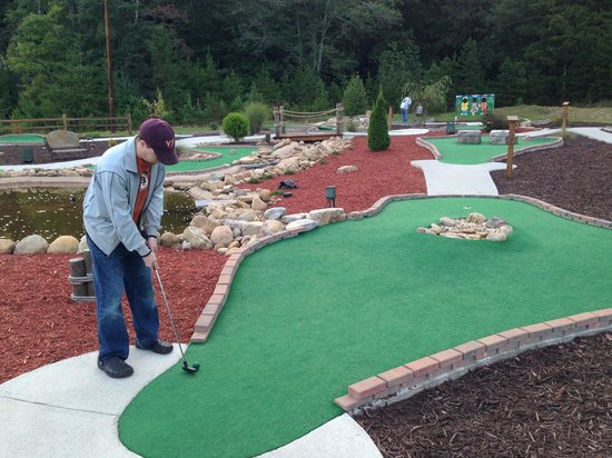 ‪Cohutta Cove Mini Golf‬