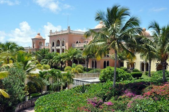 Sanctuary Cap Cana by Playa Hotels & Resorts: Perfect landscaping