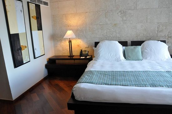 Sanctuary Cap Cana by Playa Hotels & Resorts: Room 3044 - Comfortable Bed!