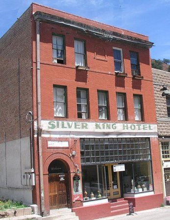 Silver King Hotel: A picture I took one day on a walk