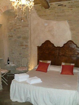 Al Pozzo dei Desideri: Habitación. La cama es muy cómoda