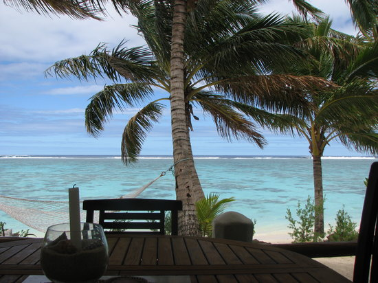 Cooks Bay Villas: Our view for breakfast, lunch and dinner.