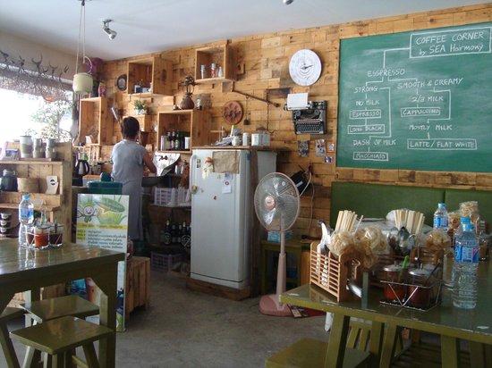 SEA Harmony Eco Lodge: Het eethuisje waar je kunt ontbijten