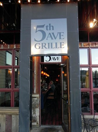 5th Avenue Grille: Front Entry