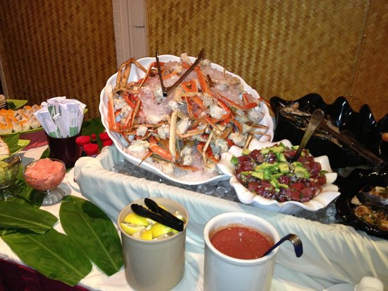 Tiki Terrace Restaurant: Crab Legs & Poki