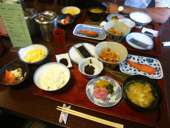 Matsubaya Inn: Japanese breakfast