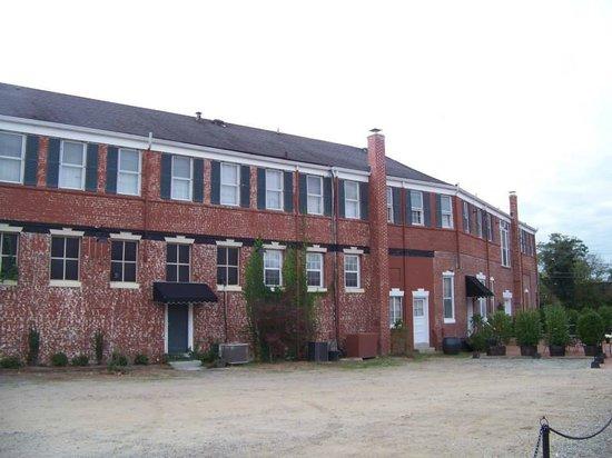 Inn At The Olde Silk Mill : back of Inn