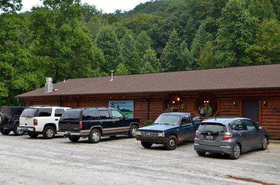 Brasstown Creek Gathering Place BBQ: Brasstown Creek Gathering Place