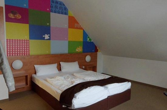 B&B Hotel Nürnberg-City: Chambre pour 3 (coté adulte)