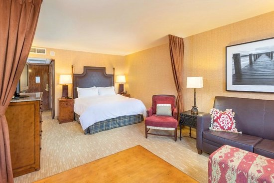 Lake Arrowhead Resort and Spa, Autograph Collection: King Guest Room