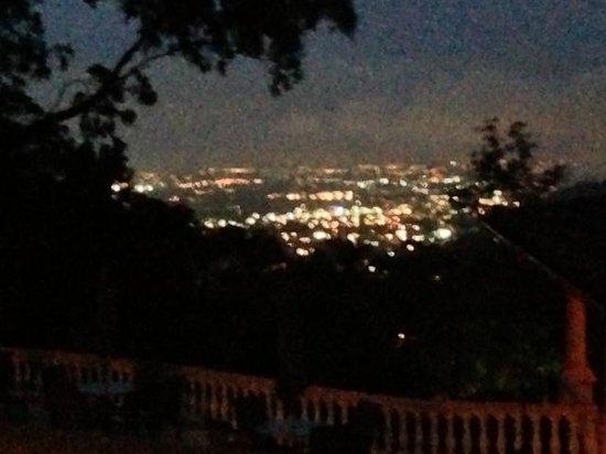 Ringle Resort Hotel & Spa: view at night