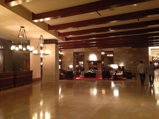Omni Fort Worth Hotel: Omni Fort Worth lobby