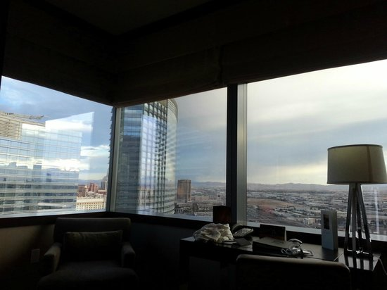 View from panoramic-view room - sitting room