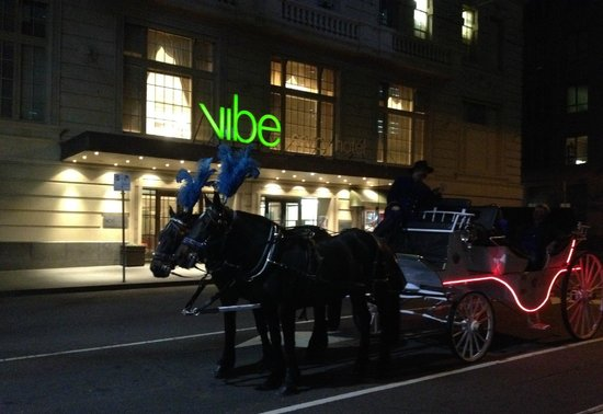 Vibe Savoy Hotel Melbourne: great location for all transport