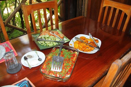 Casa Cayuco Eco Adventure Lodge: One of our delicious lunches